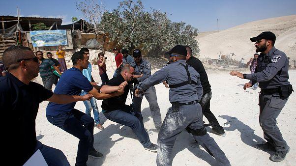 اعتراض به تخریب روستایی در کرانه باختری رود اردن به خشونت کشیده شد
