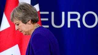 """Regno Unito: Theresa May """"sotto pressione"""" sulla Brexit"""