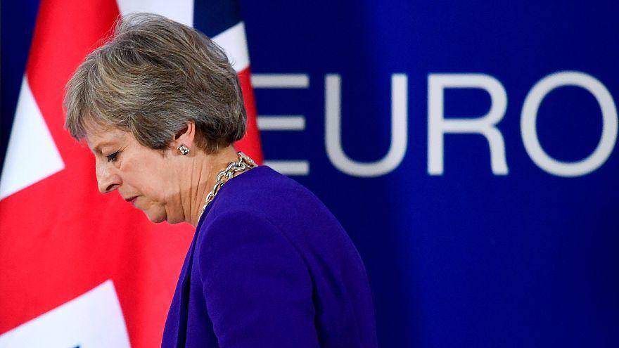 """Brexit: May dá prioridade à questão das """"Irlandas"""" e espera acordo o mais rapidamente possível"""