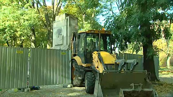 Szovjet emlékművet bontottak le Varsóban