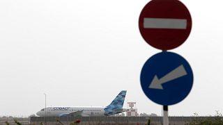 Ein Flugzeug von Cobalt Airline am Flughafen von Larnaka