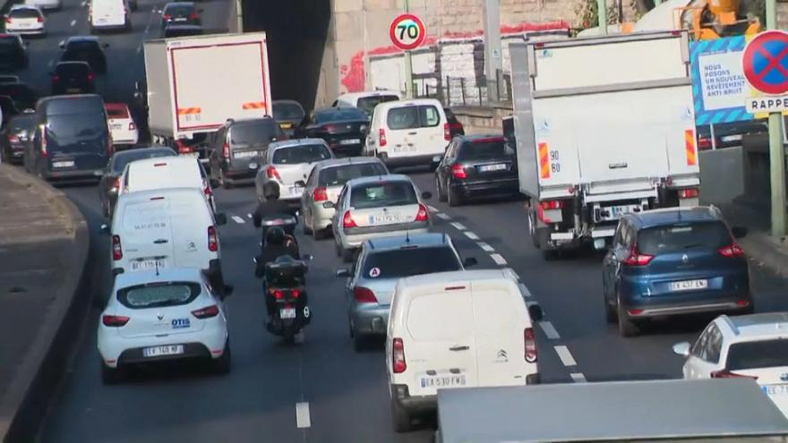 فرنسا تستعد لفرض رسوم على السيارات التي تدخل المدن الكبيرة والمتوسطة