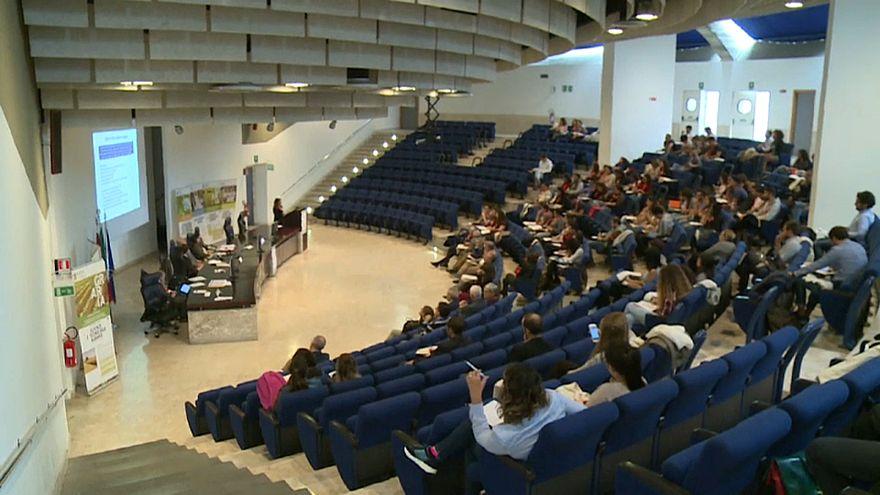 """انطلاق فعاليات المنتدى العالمي للأغذية """"الحلال"""" في إيطاليا"""