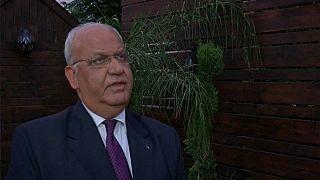 عريقات يدين قرار دمج القنصلية الأمريكية في سفارة جديدة في القدس المحتلة