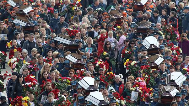Milhares de pessoas no adeus às vítimas do ataque de Querche