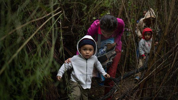 Flüchtlinge an der Grenze zwischen Mexiko und den USA