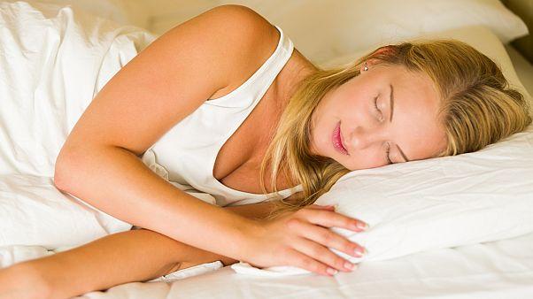 هل فعلا نتحتاج لثماني ساعات متواصلة من النوم؟