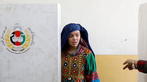 Mas de 70 muertos por atentados talibanes en las elecciones afganas