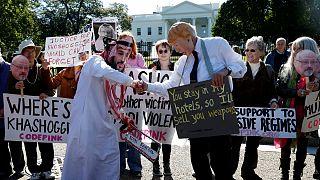 Protestos mantém-se diante da Casa Branca contra Arábia Saudita