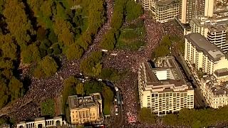 Miles de personas piden en Londres otro referéndum sobre el Brexit
