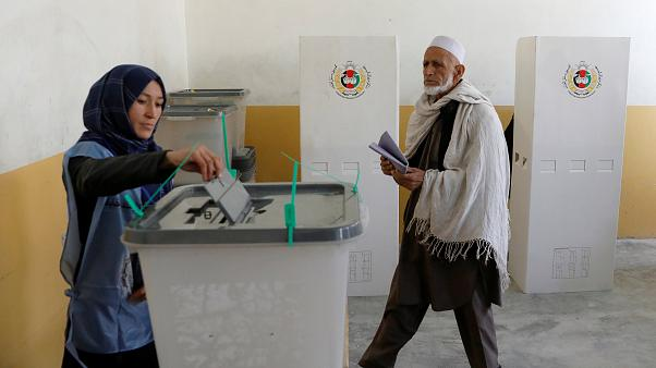 In Afghanistan si vota. E si muore