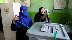 Eleições legislativas no Afeganistão refletem participação positiva