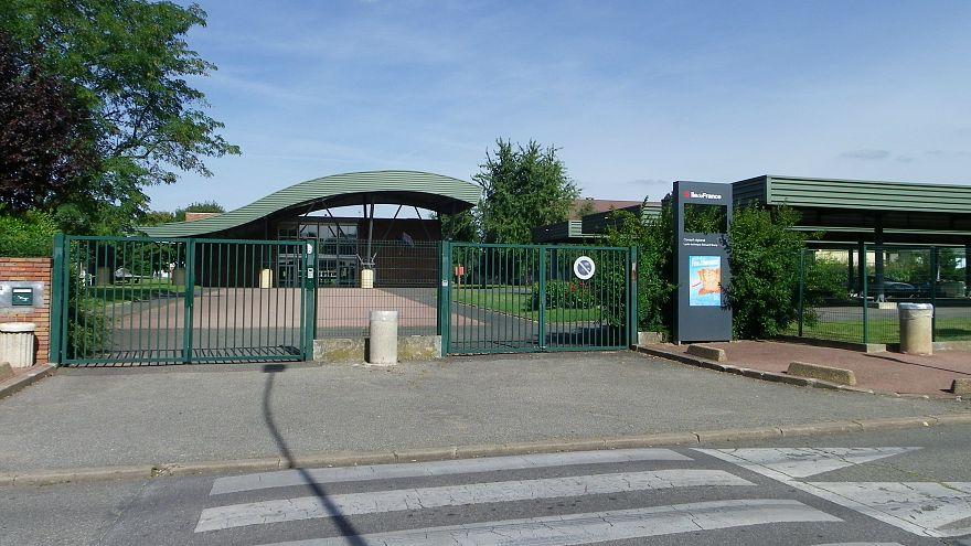 Fransa'da sahte silahla öğretmenini tehdit eden liseli gözaltında