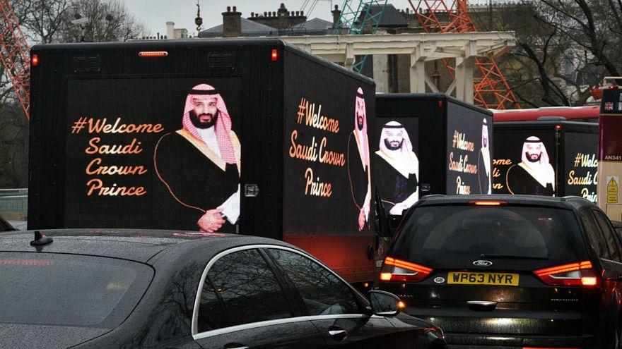 """نيويورك تايمر تكشف عن خطة """"الجيش الإلكتروني السعودي"""" لتتبع المعارضين على تويتر"""