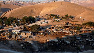 İsrail Batı Şeria'daki bedevi köyünün yıkımını erteledi