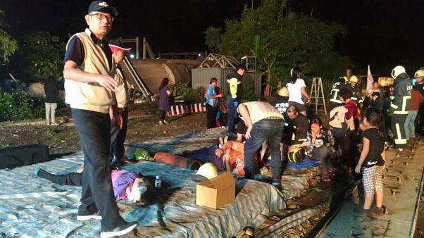 تصادف قطار در تایوان ۱۸ کشته و ۱۶۰ زخمی بر جای گذاشت