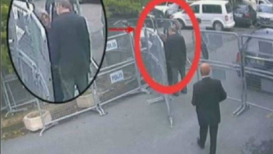 Watch: Jamal Khashoggi enters the Saudi consulate