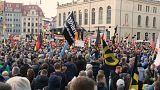 Miles de alemanes a favor y en contra del ultraderechista PEGIDA
