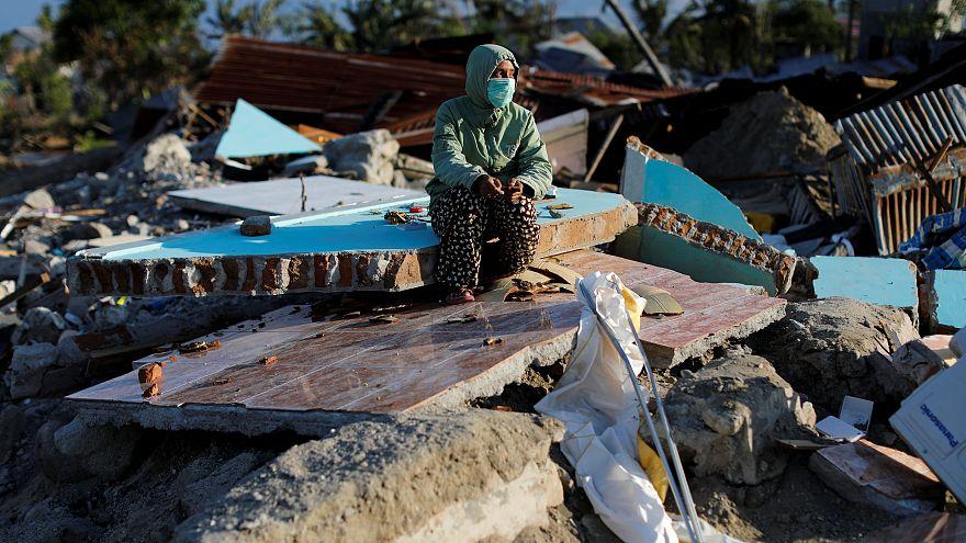 Endonezya'da deprem ve tsunamide ölenlerin sayısı 2 bin 256'ya çıktı