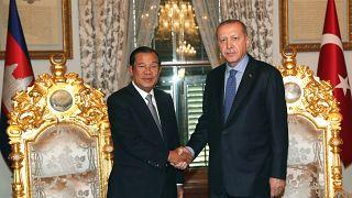 AB'den istediğini alamayan Kamboçya Başbakanı Sen Türkiye'den mutlu ayrıldı