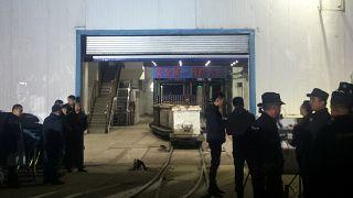 Mineiros bloqueados em exploração de carvão em Shandong
