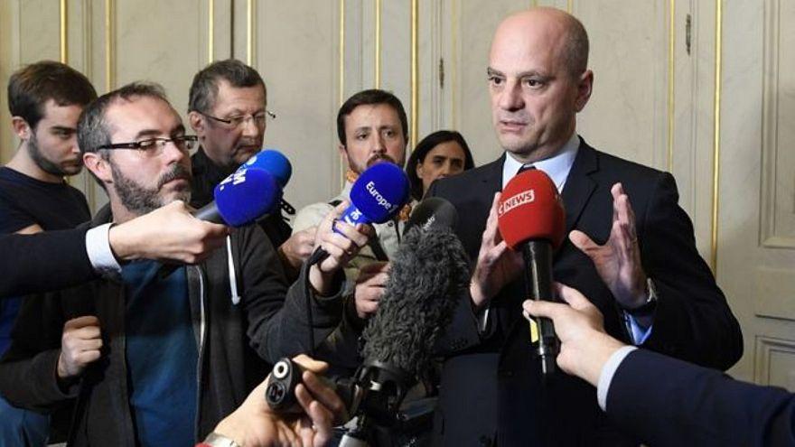 فرنسا: دعوات لمزيد من الحزم ضد العنف المدرسي بعد أن رفع تلميذ مسدّسا بوجه المعلّمة