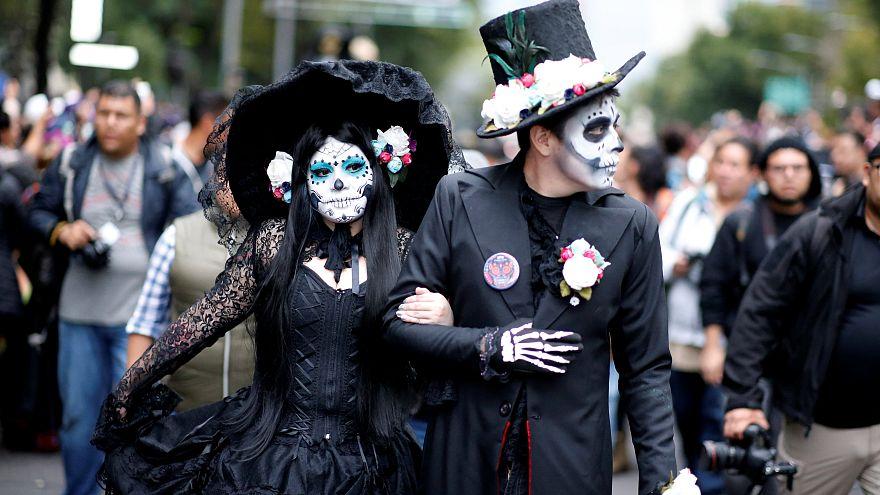 Desfile De Las Catrinas En México Antesala Del Día De Los Muertos