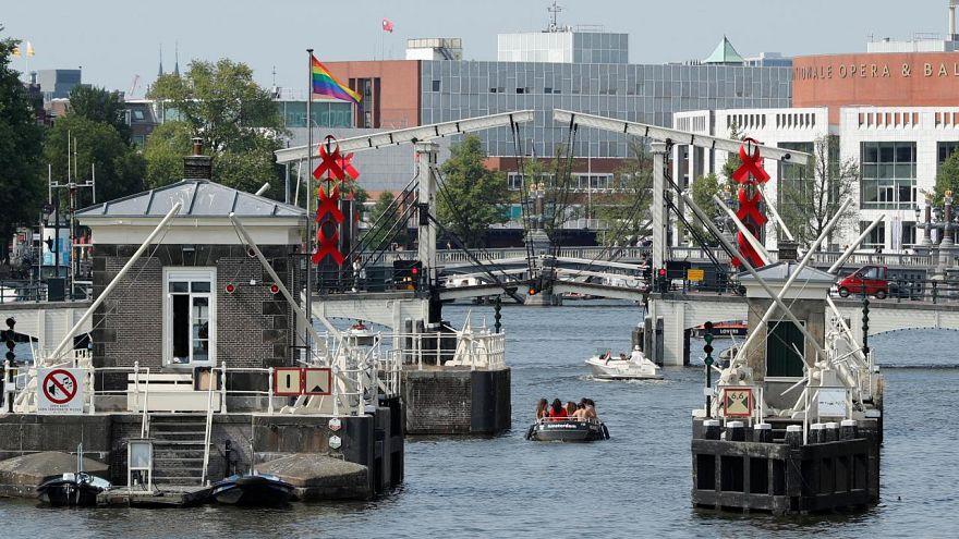 Almanya'da Ren nehrinin su seviyesinde kuraklık nedeniyle tarihi düşüş
