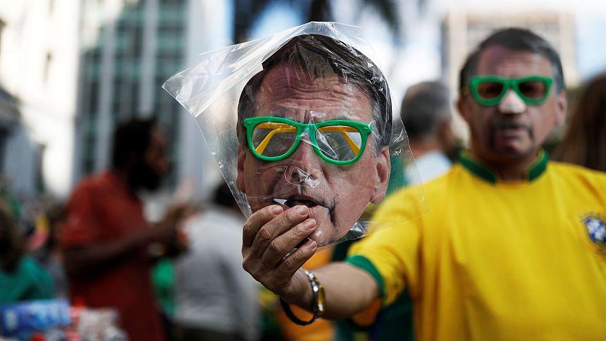 Milhares na rua por Bolsonaro