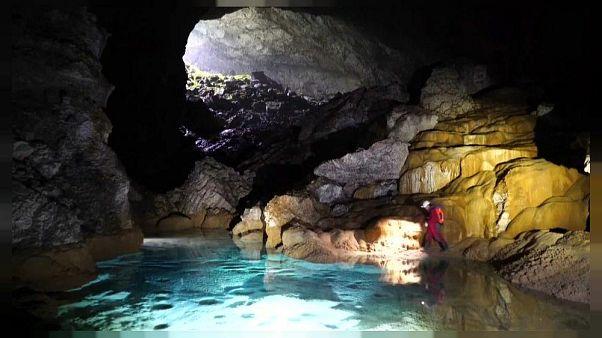Çin'de 6.7 milyon metreküp hacminde dev mağara keşfedildi