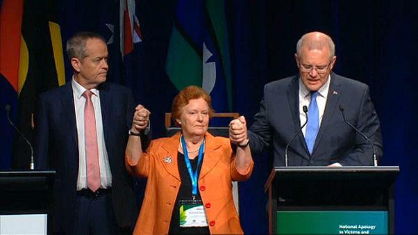 Megkövette a pedofília áldozatait az ausztrál kormányfő