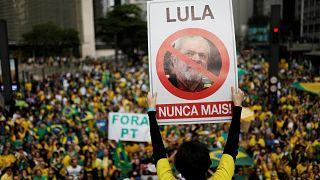 Brésil : les pro-Bolsonaro envahissent les rues