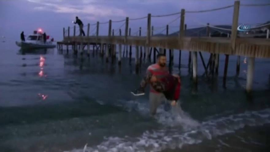 Turquia resgata migrantes no Mar Egeu