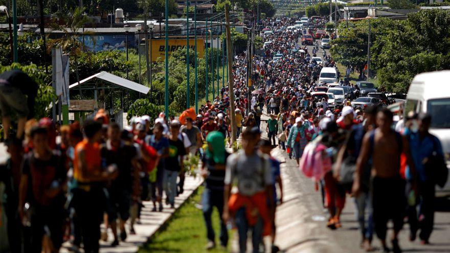 ترامپ برای ممانعت از ورود کاروان مهاجران به ارتش آمادهباش داد