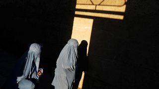BM'den Fransa'ya burka yasağını kaldır çağrısı: İnsan haklarına aykırı