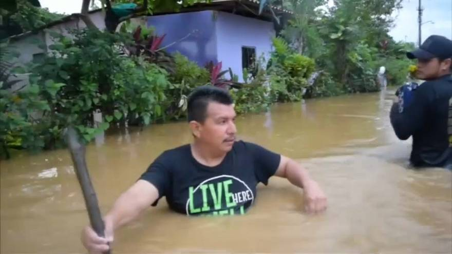 Deadly tropical storm lashes Mexico