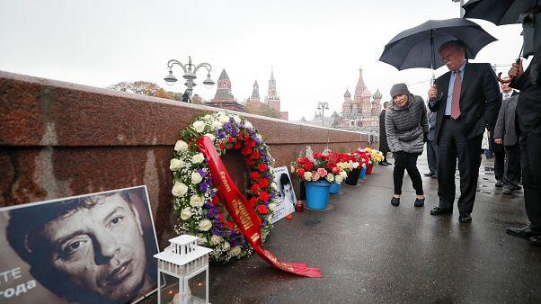 Джон Болтон у места убийства Бориса Немцова