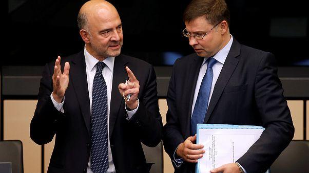 Pierre Moscovici et Valdis Dombrovskis, commissaires européens