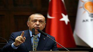 """إردوغان يعزي عائلة خاشقجي هاتفياً ويطالب بمعرفة من أمر بقتله بـ""""وحشية"""""""