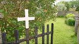 Irlanda, fosse comuni: saranno riesumati i bambini sepolti nell'ex orfanotrofio