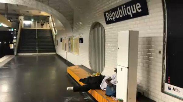 Hitzewelle in Frankreich: Freiwillige versorgen Obdachlose mit Wasser