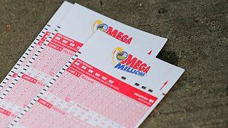 Elvitték az amerikai lottó rekordnyereményét