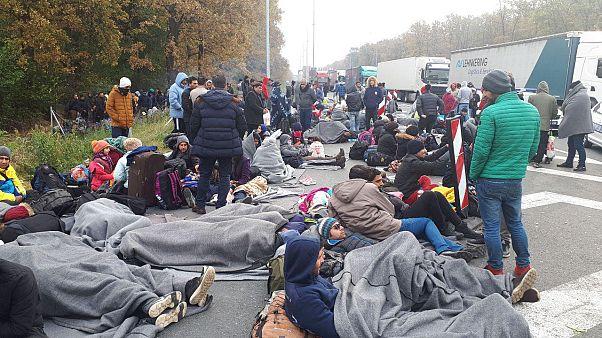 برخورد پلیس با صدها پناهجوی ایرانی در مرز صربستان و کرواسی