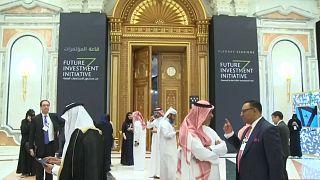 عربستان: بانکهایی که «داووس در صحرا» را تحریم کردند، جریمه نمیکنیم