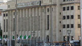 هل ستنتهي أزمة البرلمان الجزائري بانتخاب رئيس جديد؟