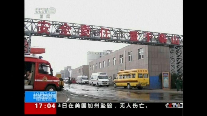 Cina: corsa contro il tempo per salvare i minatori intrappolati