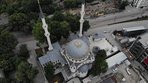 МИД Германии: В Турцию - без Интернета