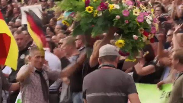 Mais protestos pró e anti-imigração na Alemanha