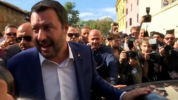Hourras et huées pour Salvini à Rome