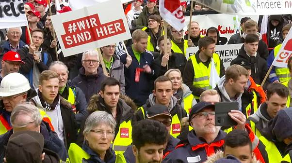 "Protest gegen Kohleausstieg: ""Hambi muss weg"""